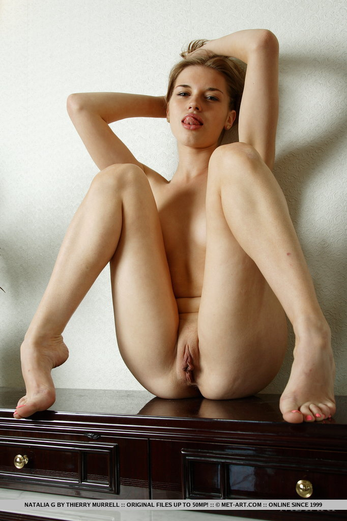 Erotic Body Porn - Natalia and her captivating reflection in a vanity mirror makes an erotic  twin vision of a smoking hot babe.