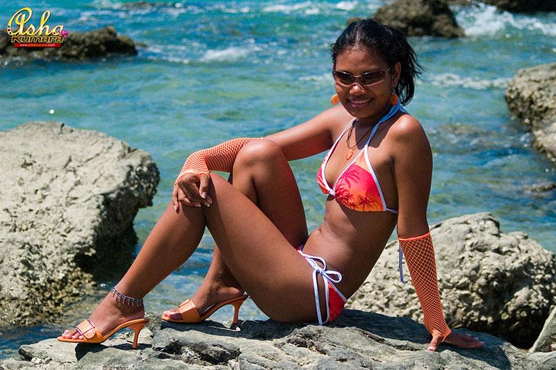 Indian nude cameltoe — img 4